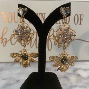 Busy little bees Earrings Elegant earring